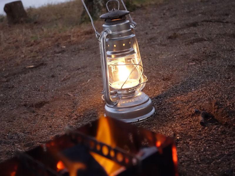 feuerhand_oil-lantern276を使用している様子1