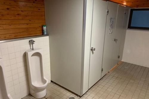 飛騨市森林公園キャンプ場のトイレ