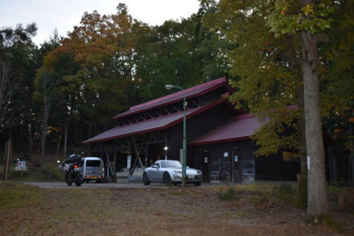 飛騨市森林公園キャンプ場の駐車場