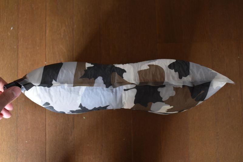 インフレートピロー(カモフラ)中央部の凹み