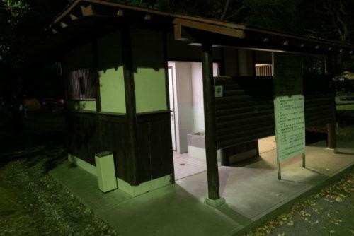 六ツ矢崎浜オートキャンプ場のトイレ