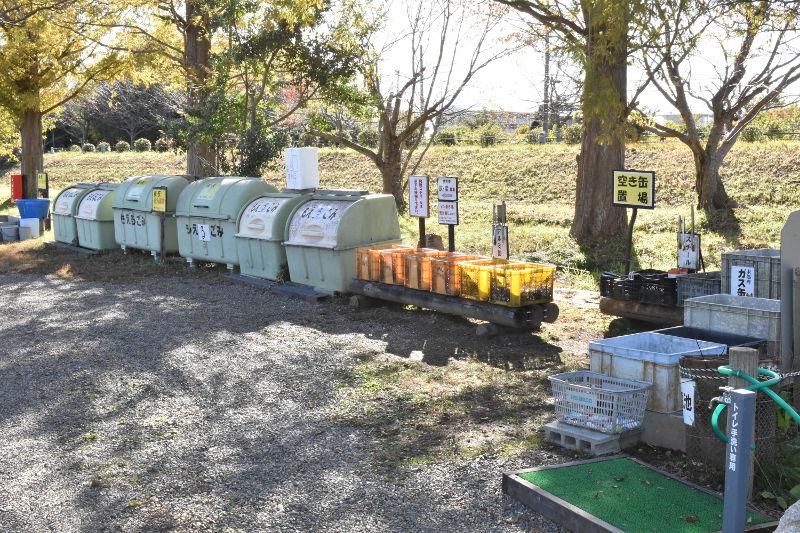 六ツ矢崎浜オートキャンプ場のゴミ捨て場