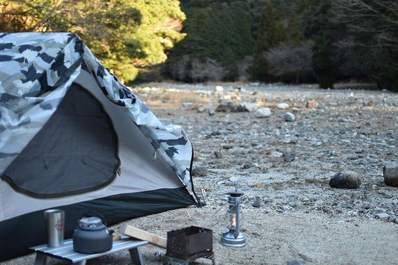 宇賀渓キャンプ場でサイト設営