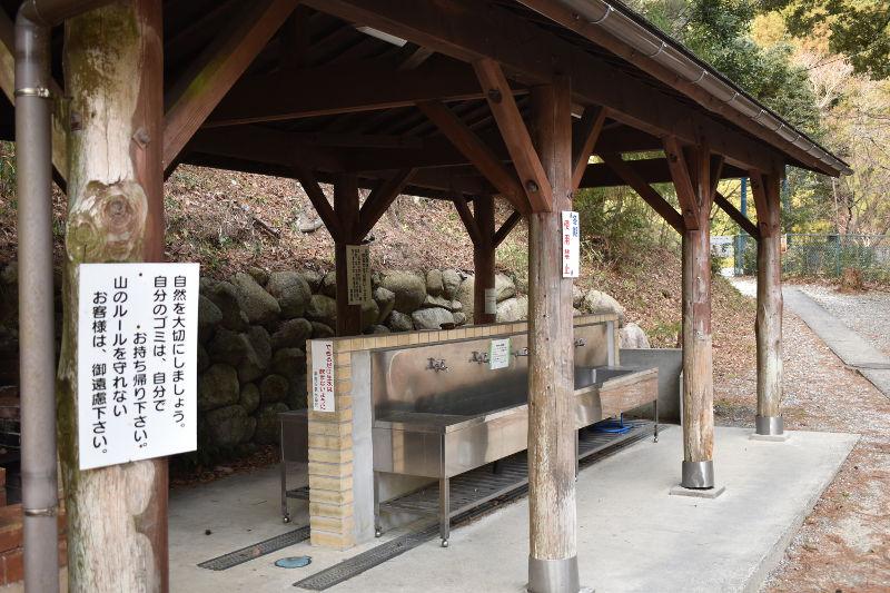 宇賀渓キャンプ場の炊事棟1