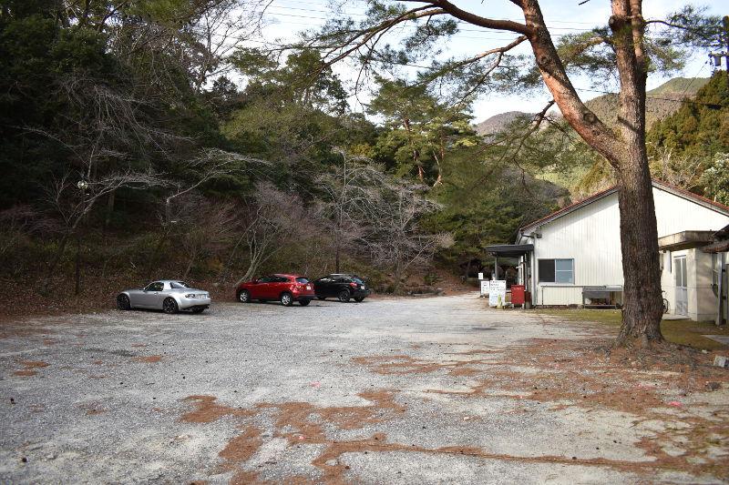 宇賀渓キャンプ場の駐車場