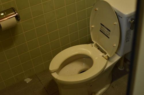 宇賀渓キャンプ場(駐車場側)のトイレ3