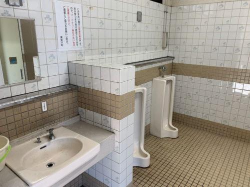 粕川オートキャンプ場のトイレ(小便器)