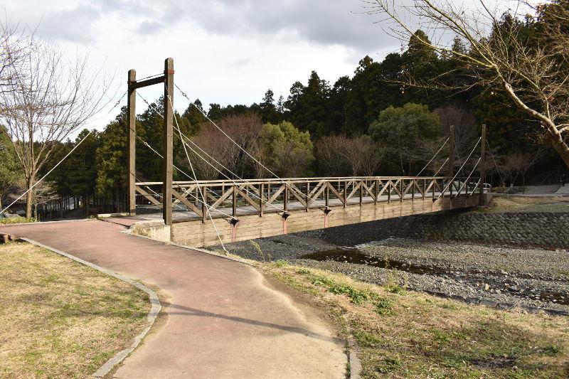 大津谷公園の橋