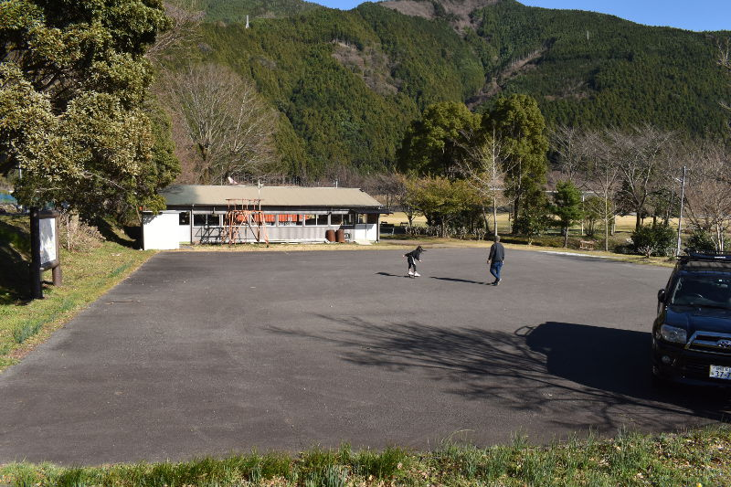 くのわき親水公園キャンプ場の駐車場