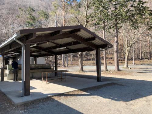 浩庵キャンプ場の炊事棟(昼)