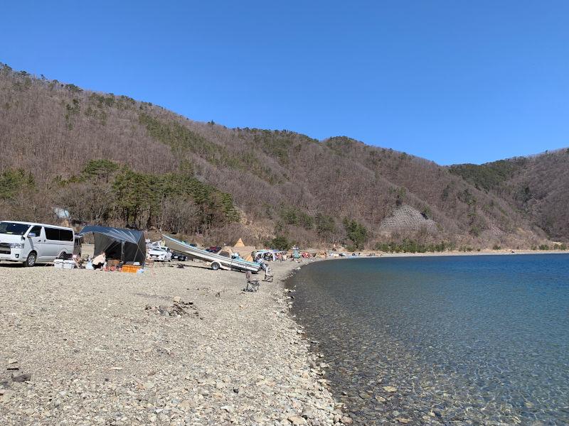 浩庵キャンプ場の湖畔サイト