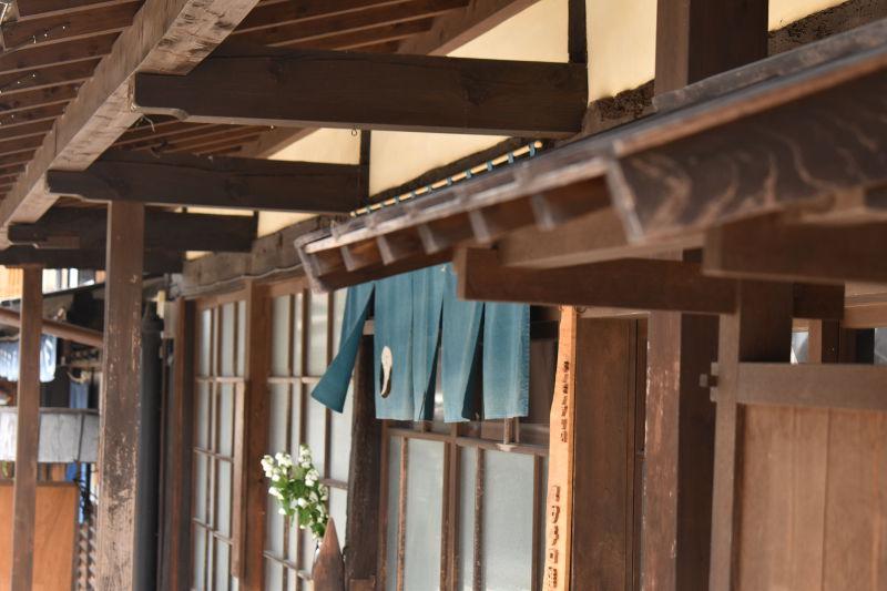 岩村町の古い街並み・暖簾