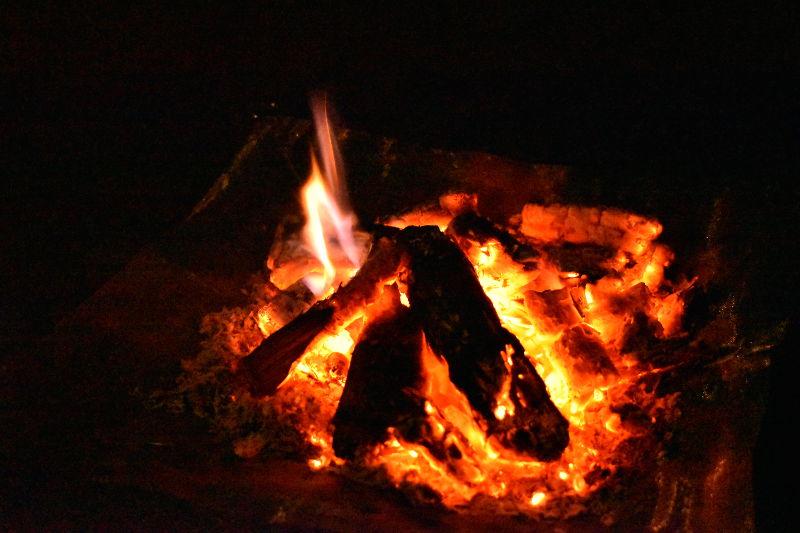 しきび状態の焚き火