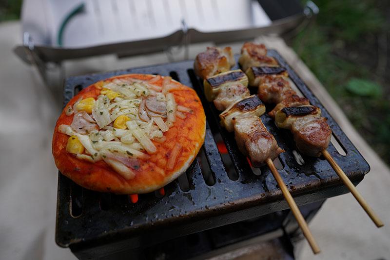 エコココロゴスでピザを焼く